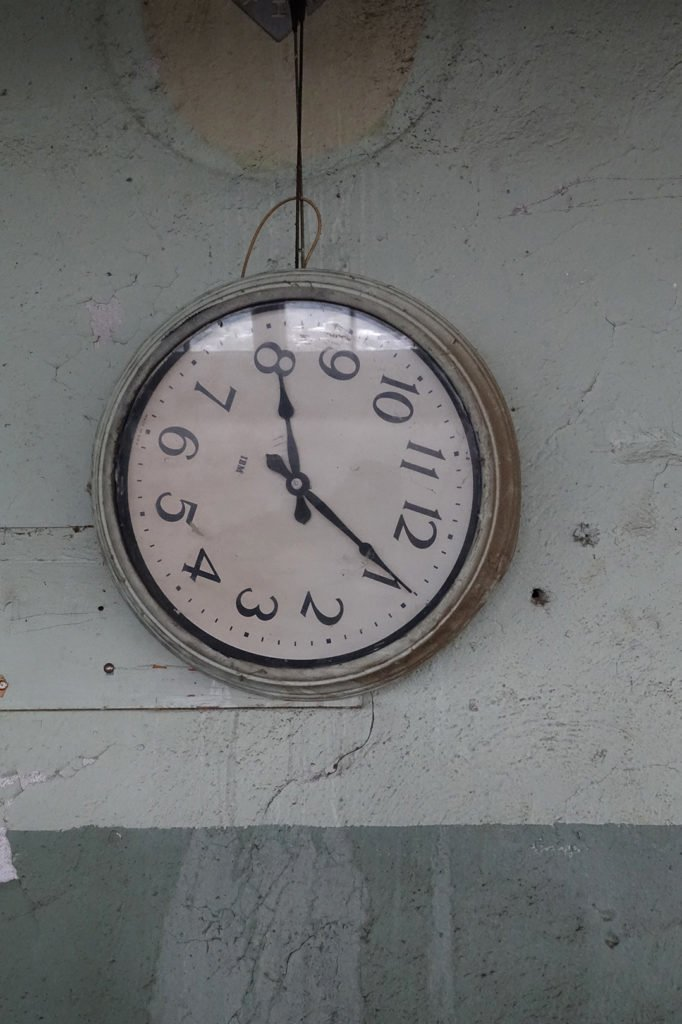 Robin Botie of Ithaca, New York, photographs a clock that ran out of time.